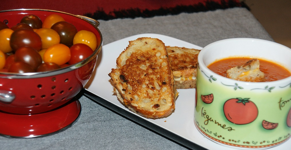 Tomato Soup and Roasted Garlic Grilled Cheese Sandwiches with Surprise ...